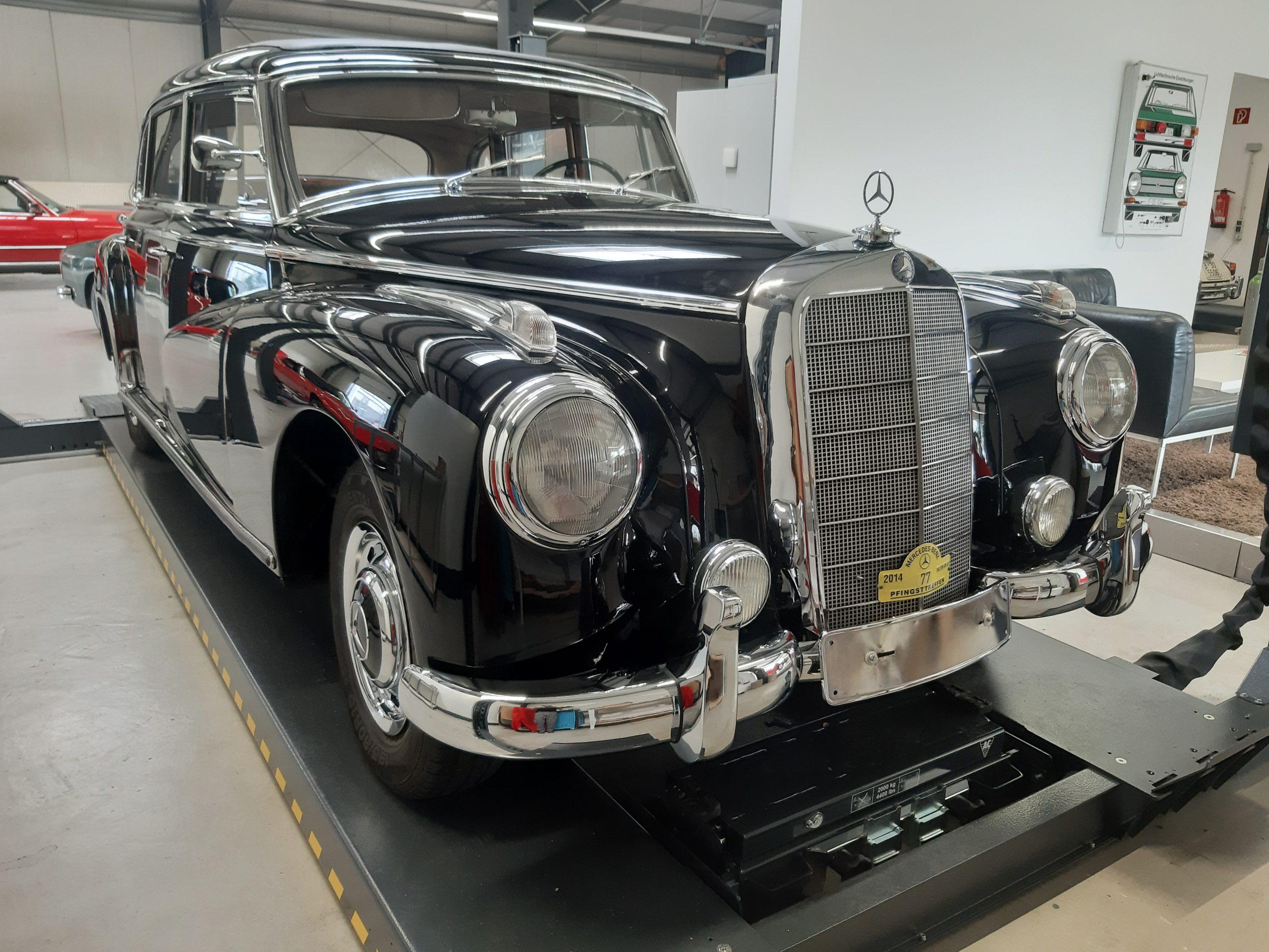 Mercedes W186 Adenauer